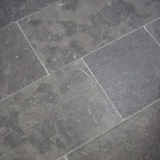 Catalin Gris Limestone Tumbled Stone Floor
