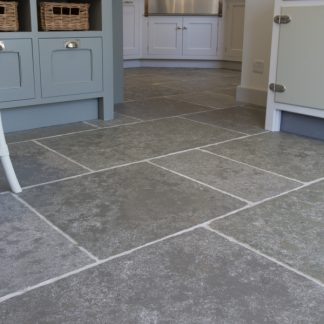 Cathedral Grey Flagstone Stone Floor