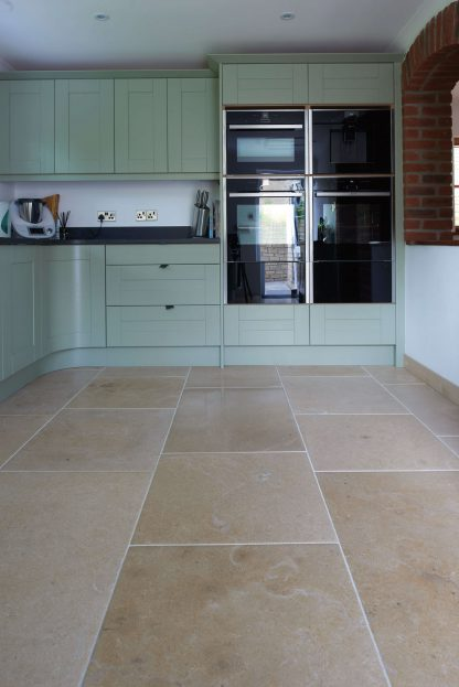 Dorset Sand Pillowed Antique Stone Floor