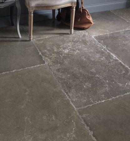 Hazlebury Limestone Tumbled