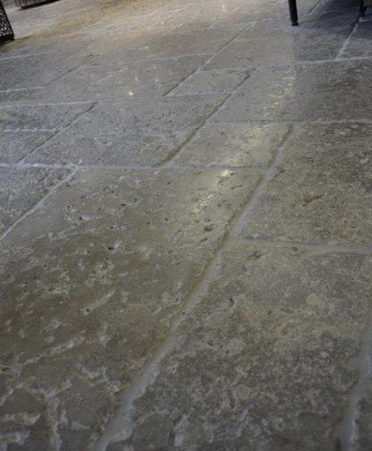 Perpignan Antique Limestone detail
